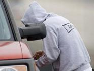 Кражи из машин в Коряжме совершал подросток