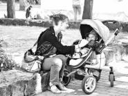 Семьи с детьми названы самыми финансово неблагополучными в стране