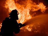 Двух человек спасли пожарные Коряжмы