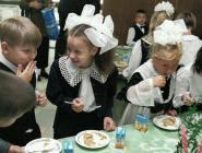 Сенаторы предложили ввести единый рацион для школьных столовых по всей стране