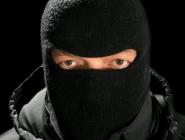 В Коряжме разыскивают неизвестного, напавшего на продавца киоска