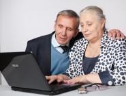 Жители Архангельской области предпочитают обращаться за назначением пенсии через Интернет