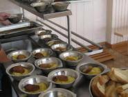 Россияне недовольны качеством питания в образовательных и медицинских организациях