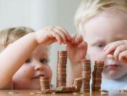Минтруд: больше семей смогут получать выплаты на первого и второго ребёнка