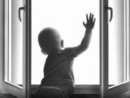 В Новодвинске из окна выпал двухлетний ребенок