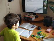 В Госдуме предложили давать «больничный» родителям школьников на удаленке