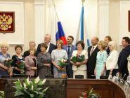Жителям Поморья вручили государственные и ведомственные награды