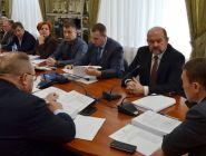 Игорь Орлов предложил ввести мораторий до конца июля на принятие решений, которые могут отразиться на бюджете Архангельской области