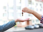 Выйти из тени! Со сдающих жилье россиян хотят собрать миллиарды налогами