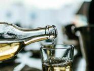 За покупку алкоголя для несовершеннолетних предлагают ввести ответственность