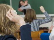 Родителей начнут штрафовать за издевательства детей над учителями